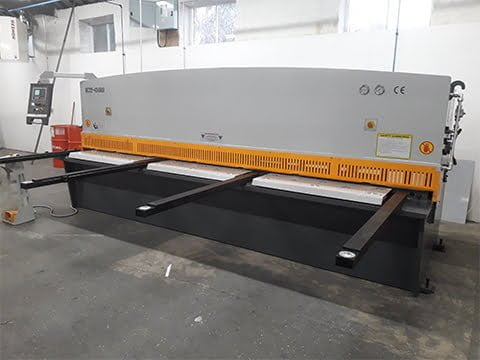 4m 4mm Guillotine in Durham