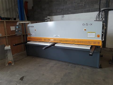 3m 6mm Guillotine in Swansea