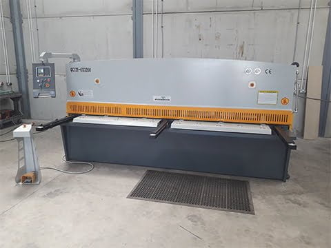 3m 6mm Guillotine in Scotland