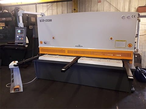 2.5mx12mm Hydraulic Guillotine in Kent