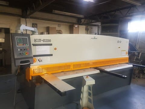 Hydraulic Guillotine from the ManTech Premium range installed in Watford.