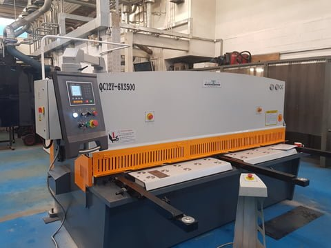 Hydraulic Guillotine Essex