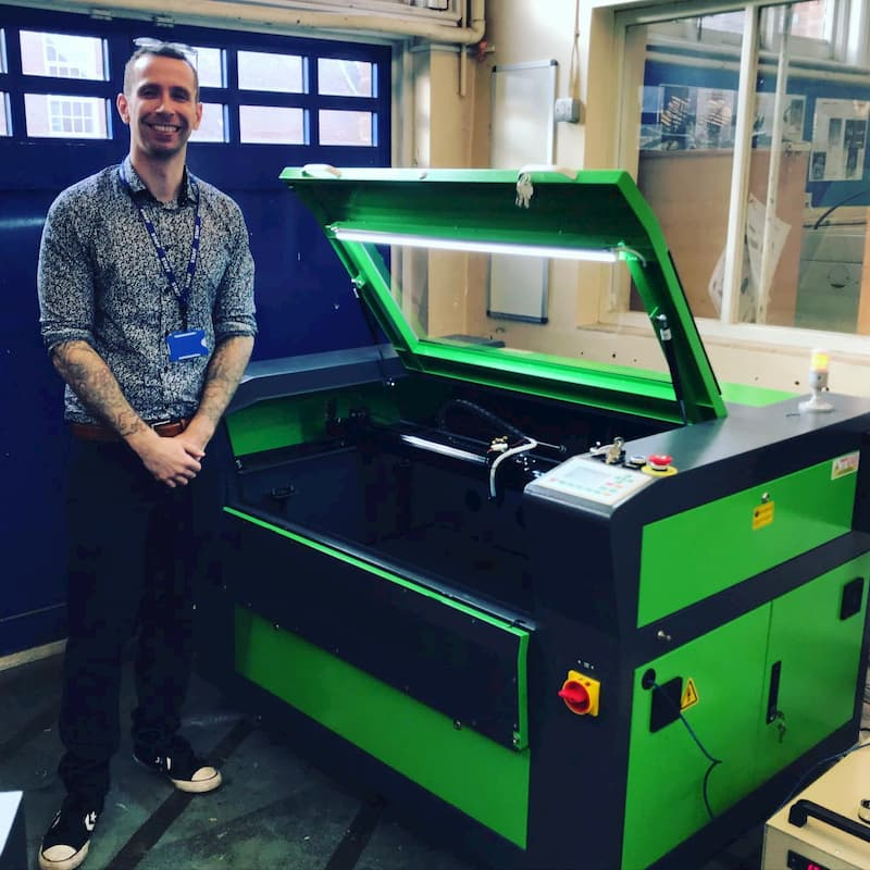 West Sussex college chooses Mantech to supply them a professional Laser Machine
